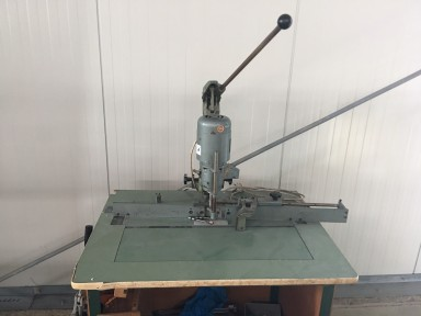 Unknown Papierbohrmaschine / Paper drilling machine used